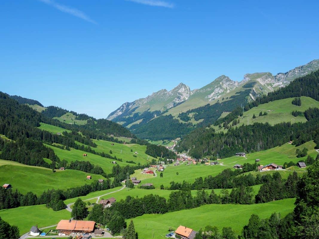 ROAD TRIP SWITZERLAND