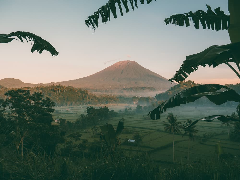 MT AGUNG SUNRISE VIEWPOINT IN BALI, INDONESIA