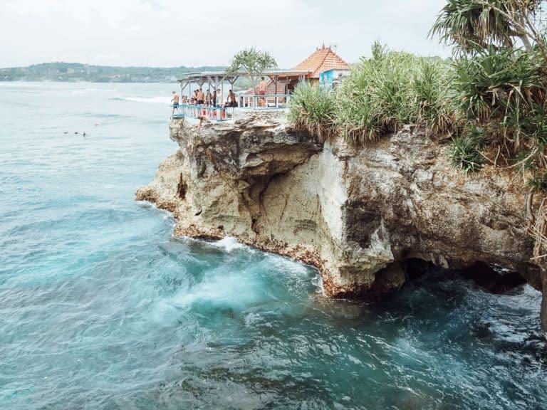 mahana point cliff jump, mahana beach, mahana point, mahana point nusa ceningan, mahana point ceningan, mahana point nusa lembongan, mahana point cliff, nusa ceningan