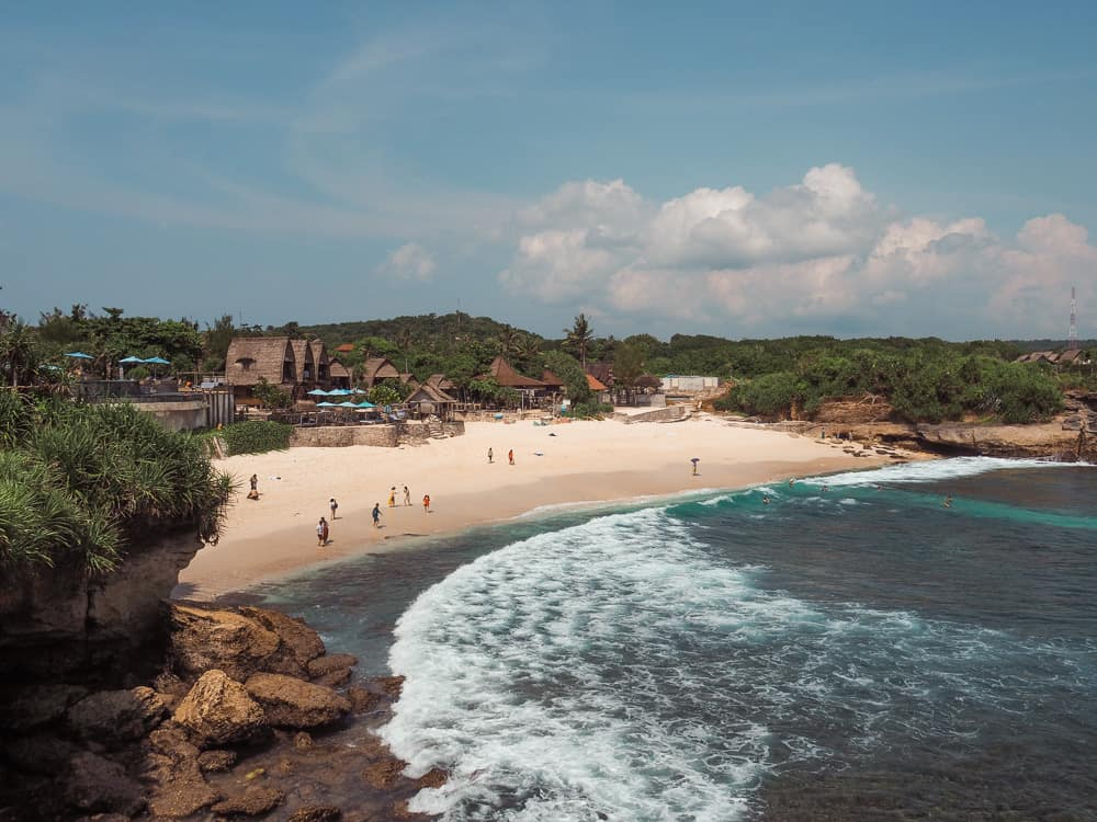 DREAM BEACH ON NUSA LEMBONGAN ISLAND – BALI