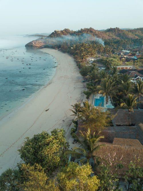 istana ombak eco resort, pantai watukarung, watukarung beach, pacitan, pantai pacitan