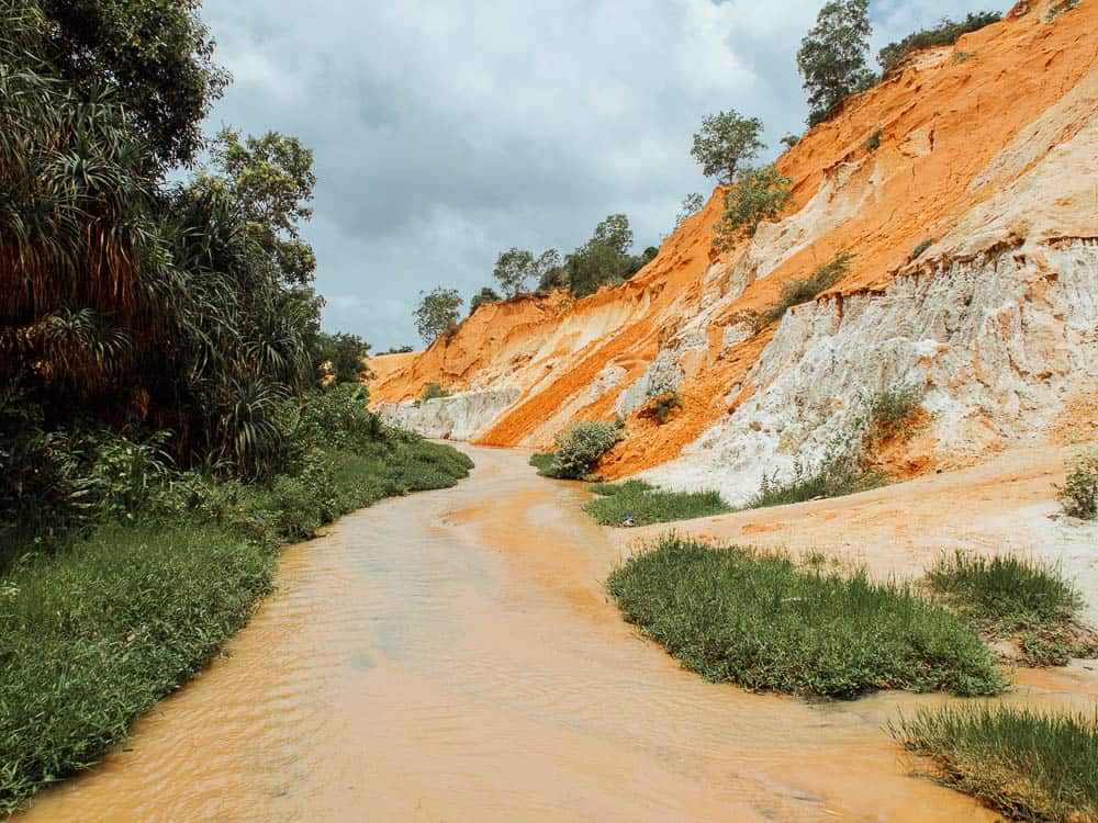 FAIRY STREAM MUI NE – THE GRAND CANYON OF VIETNAM
