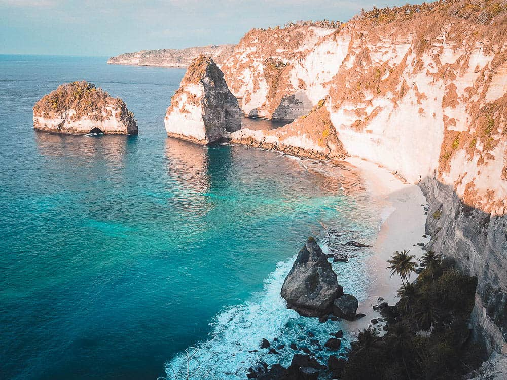 diamond beach nusa penida, atuh beach, atuh beach nusa penida, diamond beach nusa penida, diamond beach bali, nusa penida diamond beach, diamond beach penida