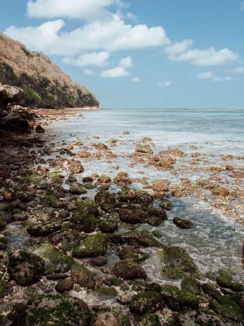 green bowl beach bali, green bowl beach, green bowl beach uluwatu, uluwatu beaches, bali beach