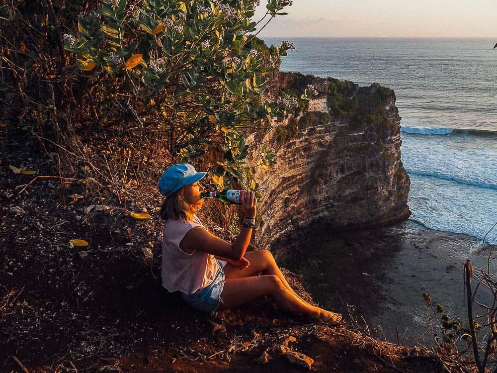JARAN HILL CLIFF IN ULUWATU – SUNSET VIEWPOINT