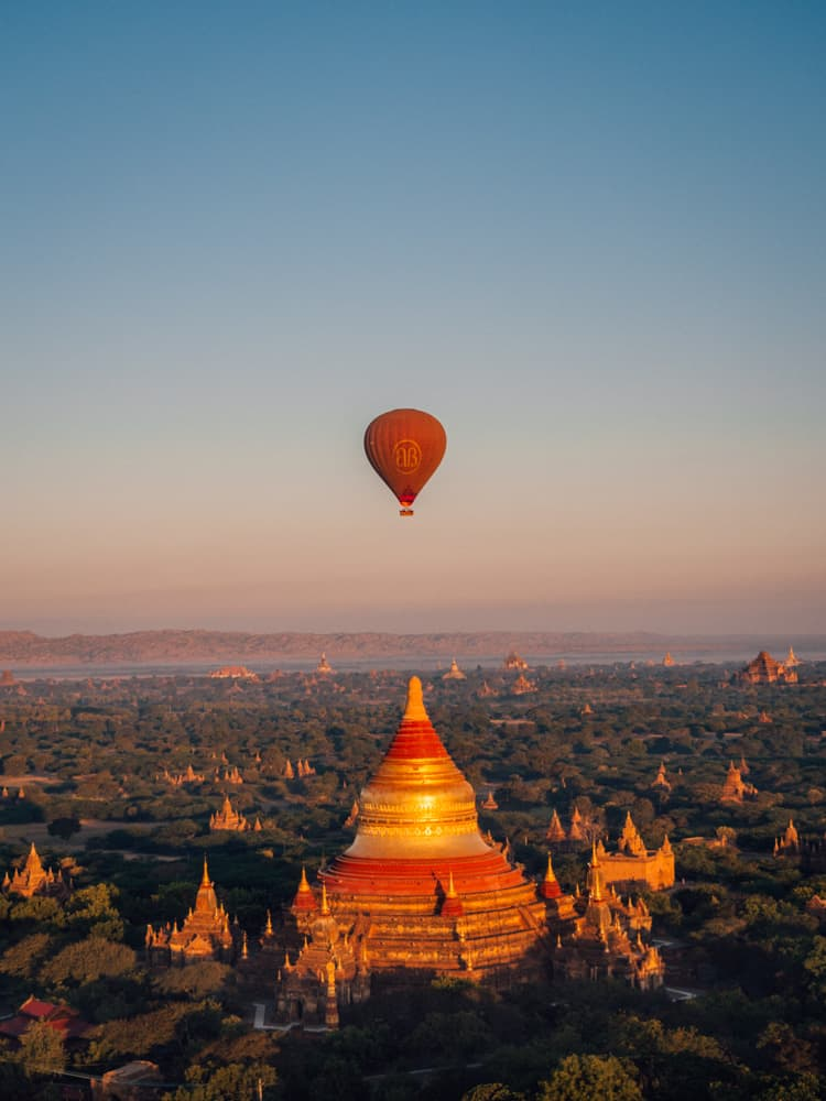 balloons over bagan, bagan hot air balloon, bagan balloon, bagan hot air balloon price, bagan balloon ride,