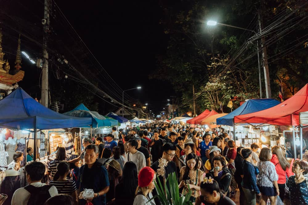 what to do in chiang mai in 3 days, thigns to do in chiang mai, best things to do in chiang mai, sunday market chiang mai