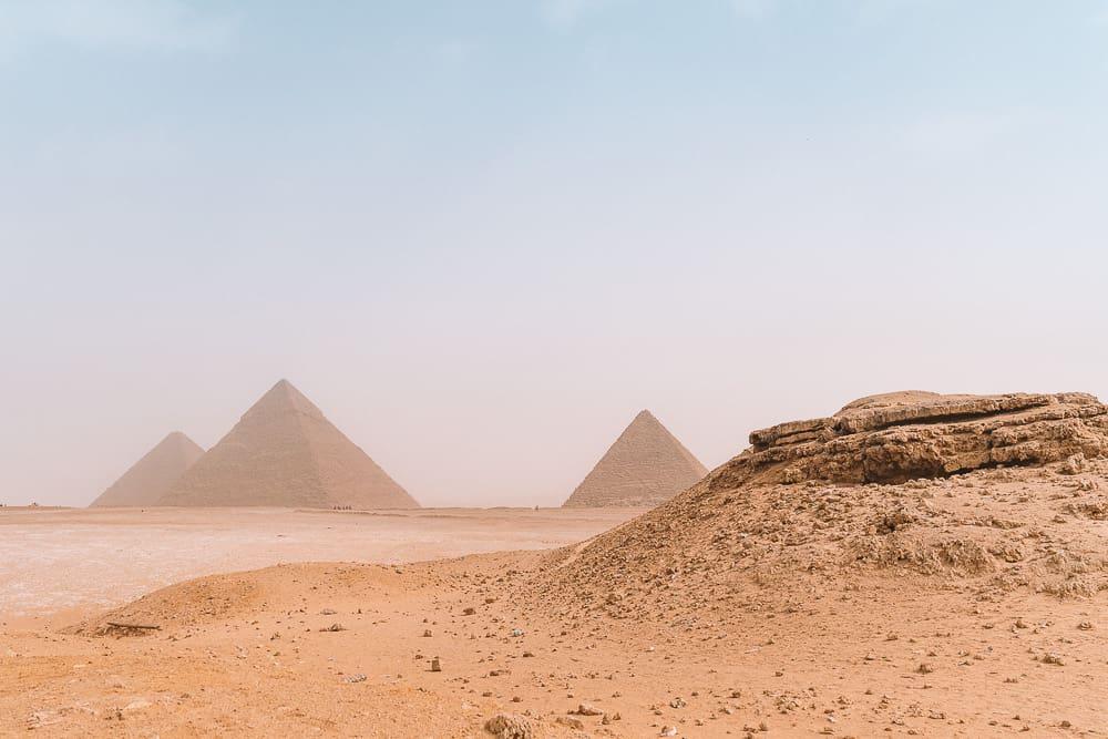 pyramids of giza 37