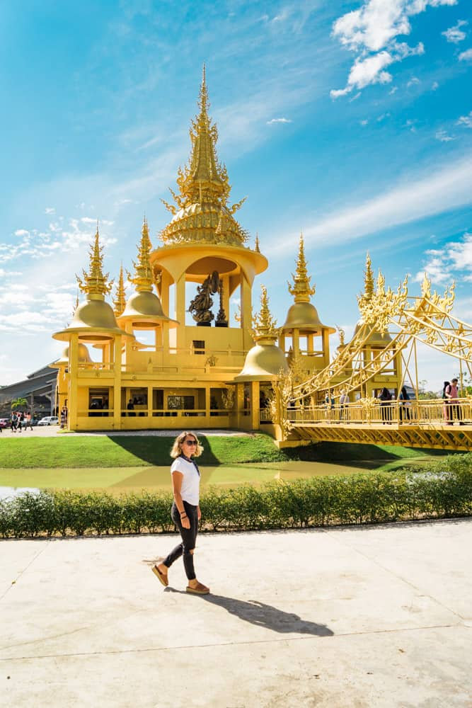white temple chiang rai 21