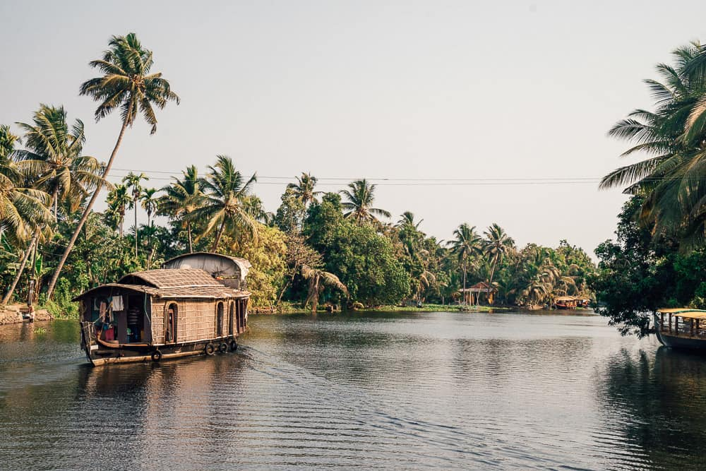 ALLEPPEY HOUSE BOATS IN THE KERALA BACKWATERS