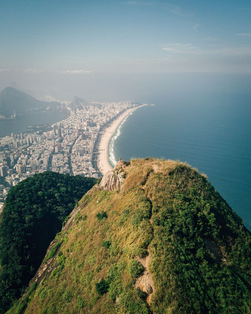 dois irmaos hike, morro dois irmãos hike, morro dois irmãos, dois irmaos rio, favela vidigal, morro dois irmãos rio de janeiro, dois irmãos rio de janeiro, two brothers rio, 2 brothers hike rio, morro dois irmaos, best hikes in rio, things to do in rio de janeiro, best hikes in rio de janeiro, hikes in rio, best things to do in rio