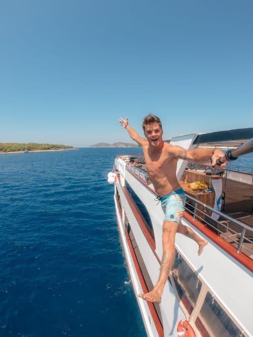 LBW Yacht Life 34 e1566179007800