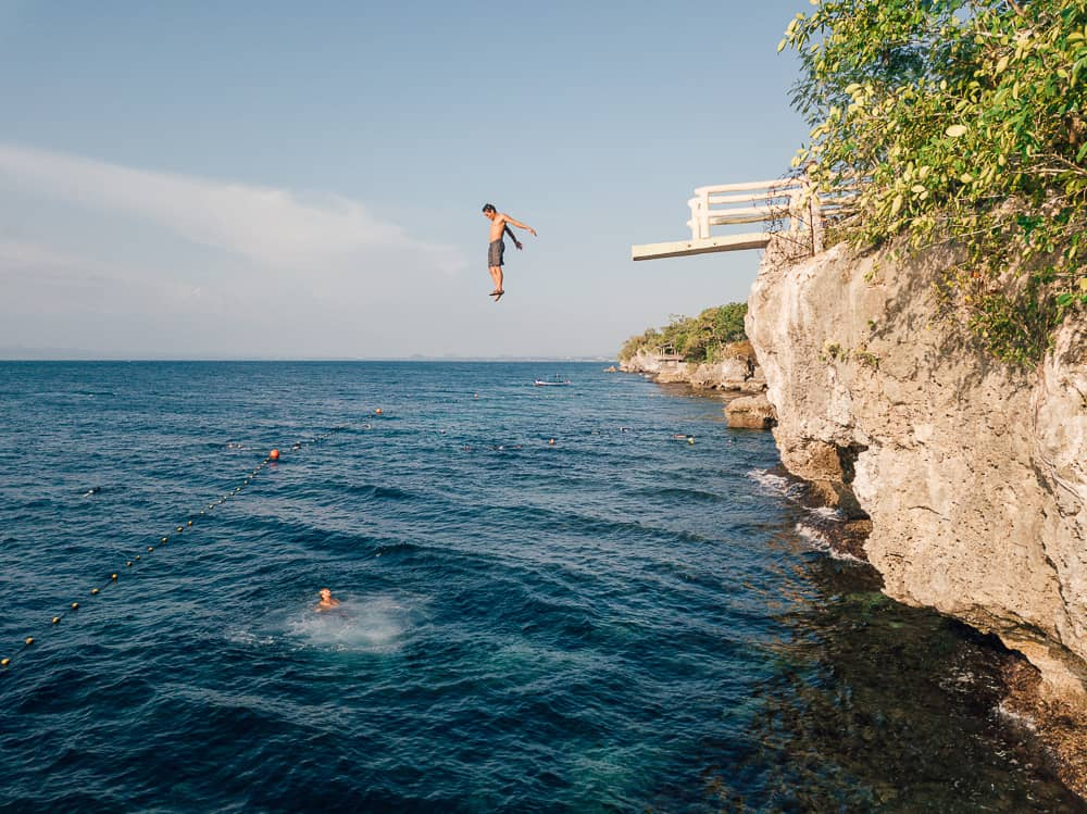 cliff diving in bohol, cliff dive bohol, alexis cliff dive resort bohol, cliff jumping bohol, cliff jumping panglao, cliff diving panglao, alexis cliff dive resort, molave cove cliff dive, molave cove, molave cliff diving resort