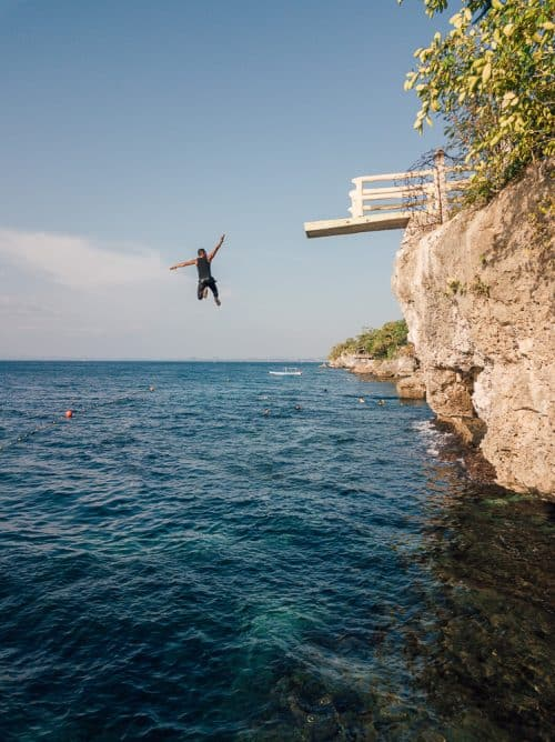 cliff diving in bohol, cliff dive bohol, alexis cliff dive resort bohol, cliff jumping bohol, cliff jumping panglao, cliff diving panglao, alexis cliff dive resort