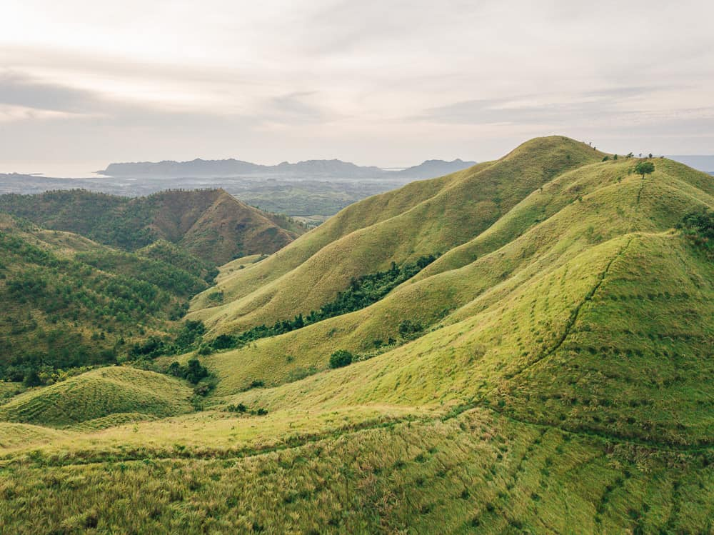 binabaje hills, binabaje hills alicia, binbaje hills hike bohol, binbaje hills bohol, binabaje hills hike