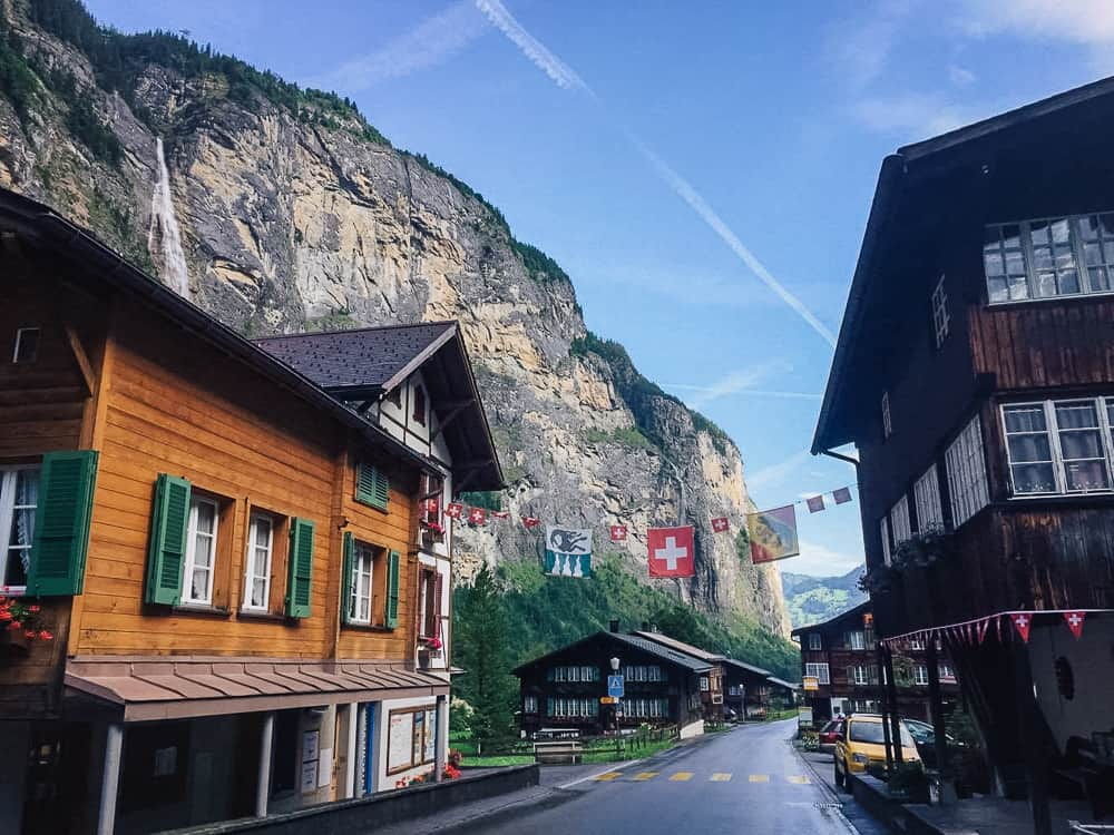 things to do in lauterbrunnen, lauterbrunnen switzerland, lauterbrunnen valley, murren