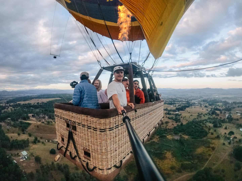 hot air balloon gold coast, hot air balloon rides gold coast, hot air gold coast, balloon gold coast, gold coast hot air balloon, gold coast hot air balloon ride, hot air balloon in gold coast