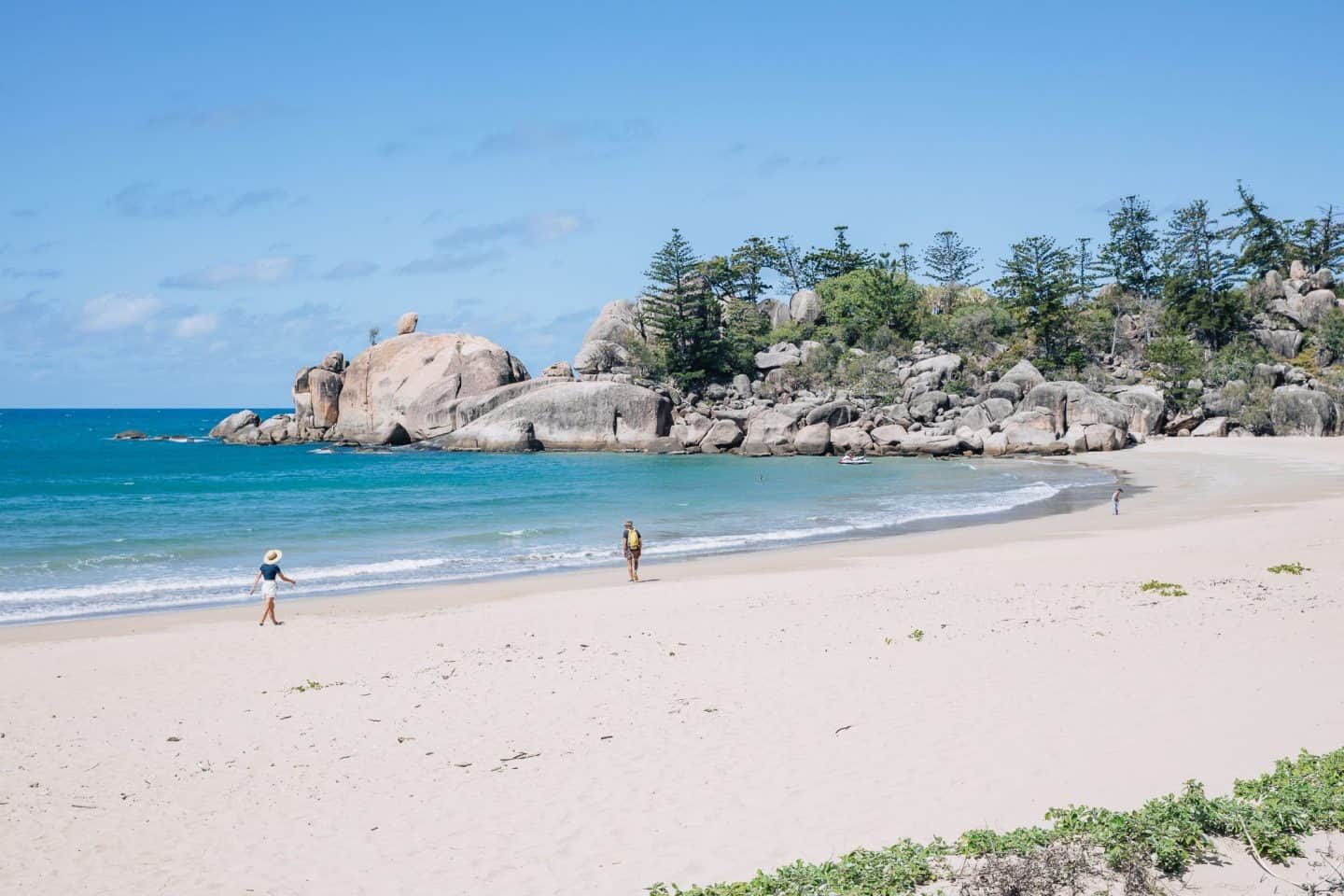magnetic island, things to do on magnetic island, things to do in magnetic island, magnetic island australia, magnetic island queensland, balding bay