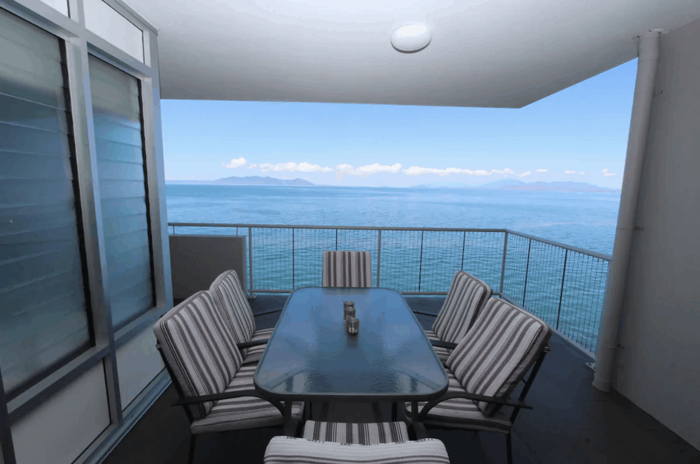 nelly bay apartment