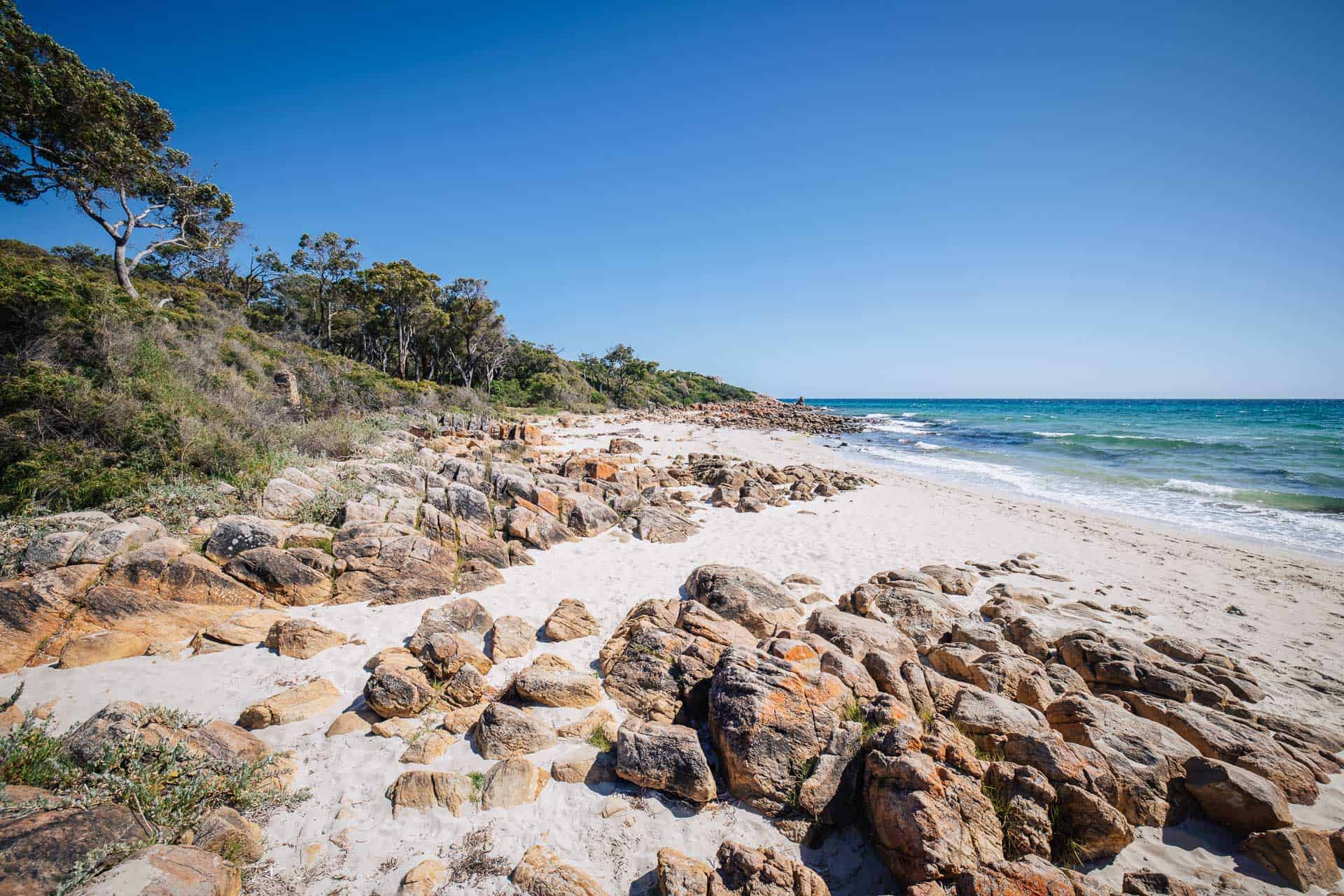 things to do in margaret river, what to do in margaret river, best things to do in margaret river, things to do margaret river, castle rock beach
