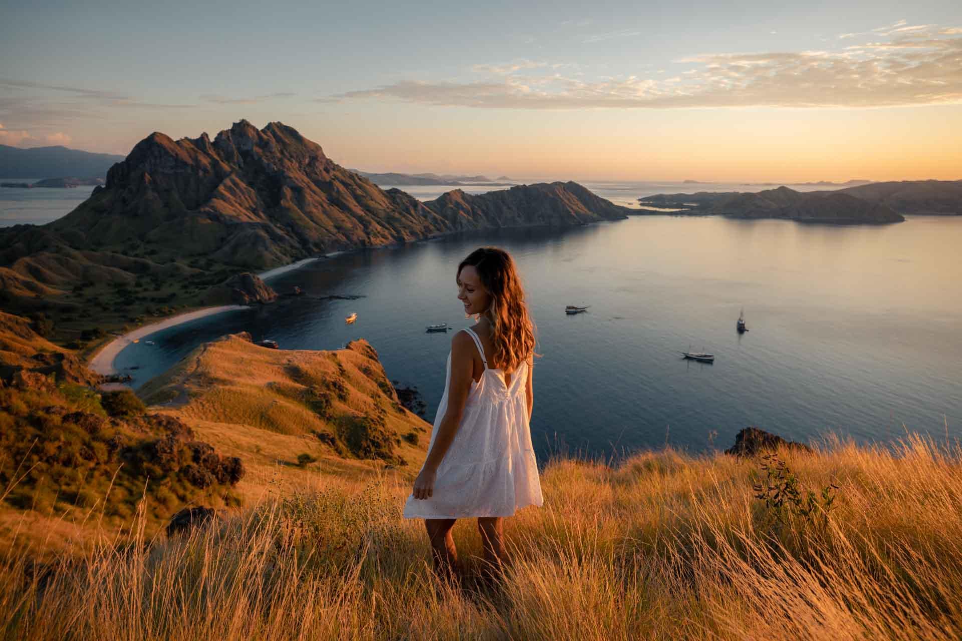 padar island, pulau padar, padar island indonesia, padar island hike, padar viewpoint, padar hike, padar island viewpoint