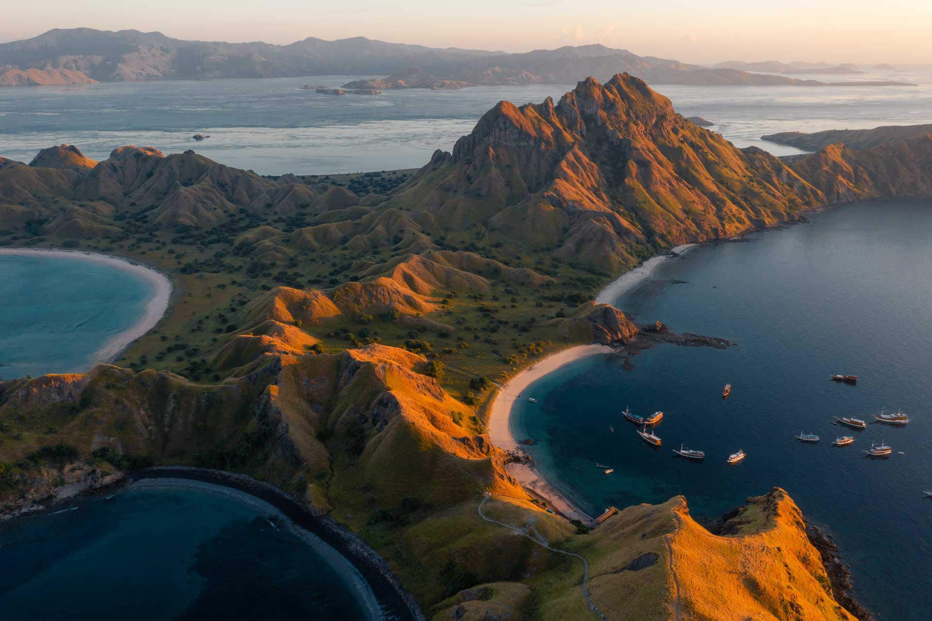 padar island, pulau padar, padar island indonesia