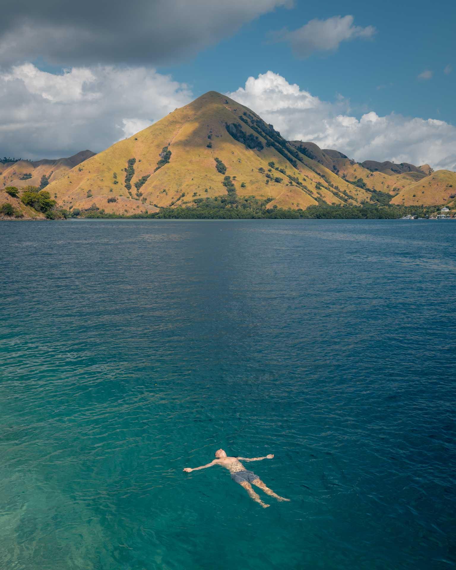 kelor island, pulau kelor, kelor island labuan bajo, kelor island komodo