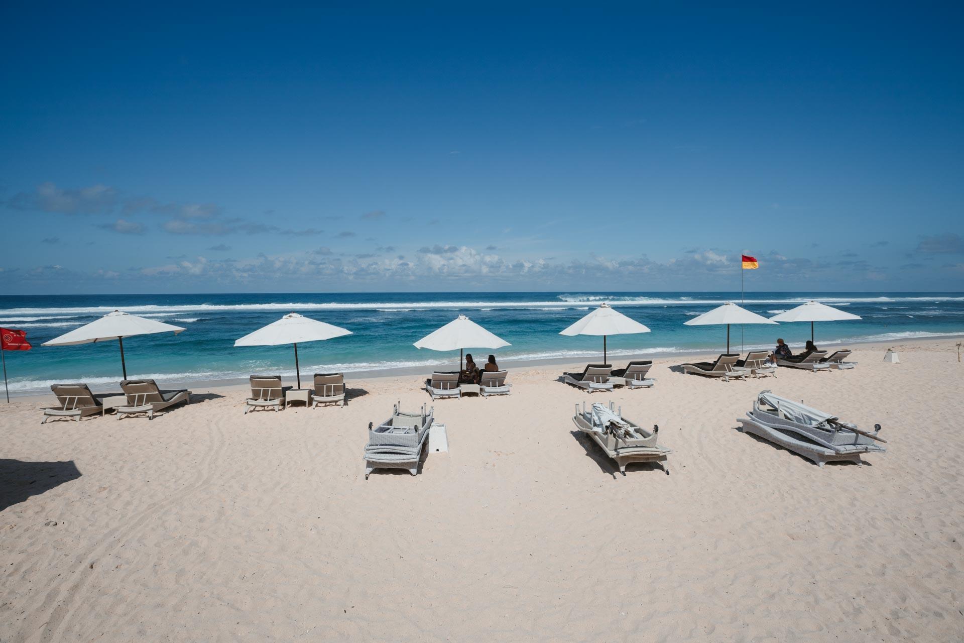 melasti beach, pantai melasti, melasti beach bali, pantai melasti bali, melasti bali